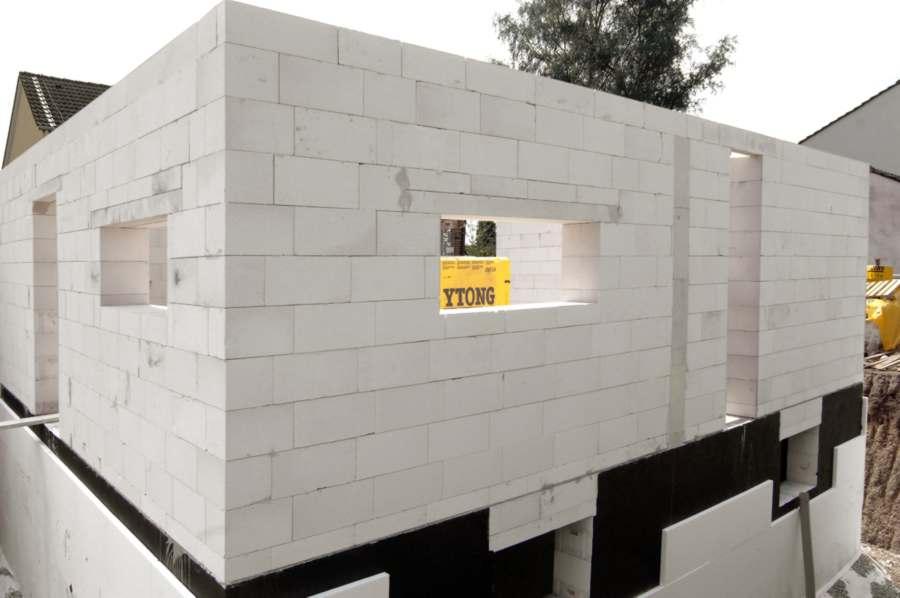 Стройка жилья из пенобетона
